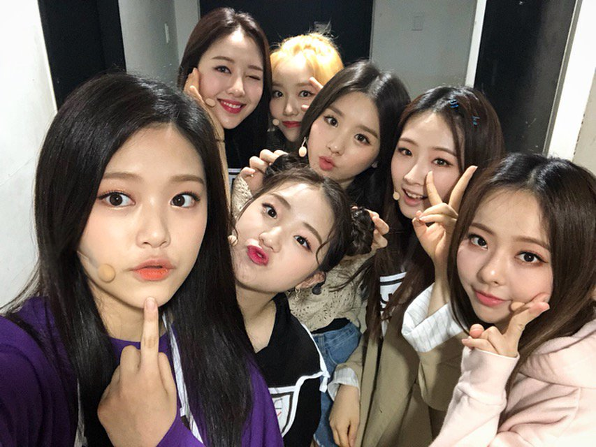 180603 SNS LOONA 1.png