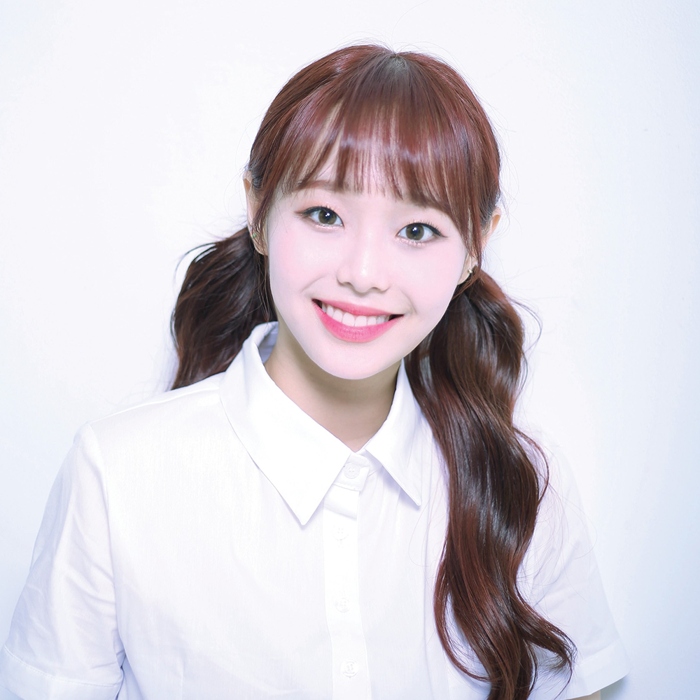 ++ Promotional Picture Chuu.png
