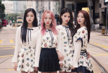 LOONA 1-3 Love and Live group photo 5
