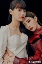 Esquire Korea (Kim Lip, Chuu) 1
