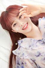 Chuu IZE Magazine 8