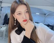 210123 SNS Choerry 4