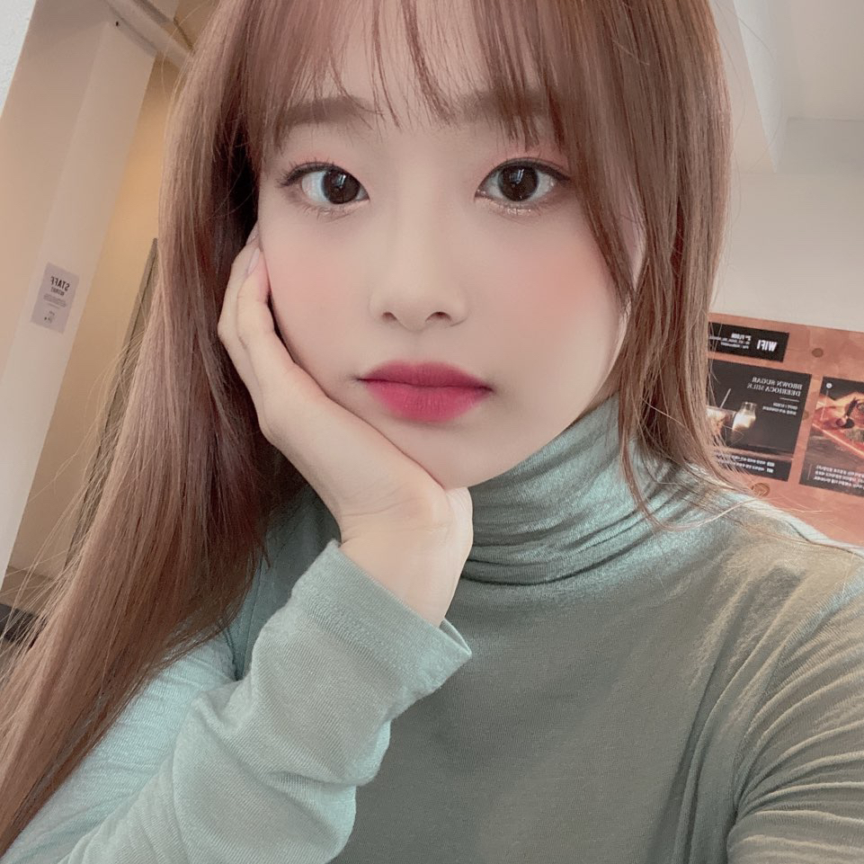 191228 FanCafe 2nd Anniversary Chuu 1.png