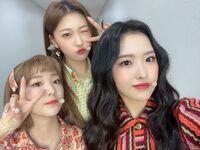 201213 SNS YeoJin, Choerry, Olivia Hye