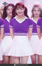 180823 Mcountdown Naver Hi High Chuu 1