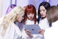 LOONA Butterfly BTS 50
