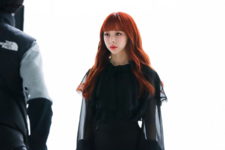 LOONA Butterfly BTS 15