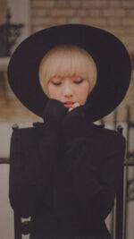 HaSeul single Photocard 2