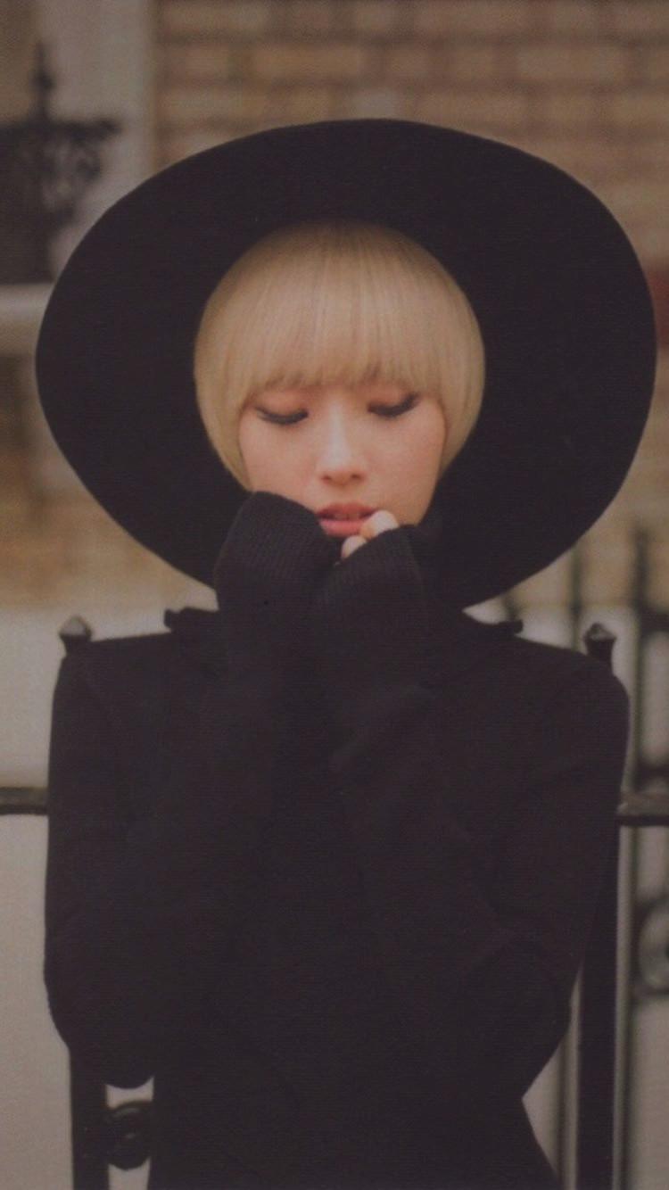 HaSeul single Photocard 2.jpg