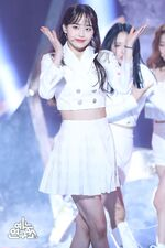 200208 Show Champion Stage So What Chuu 2