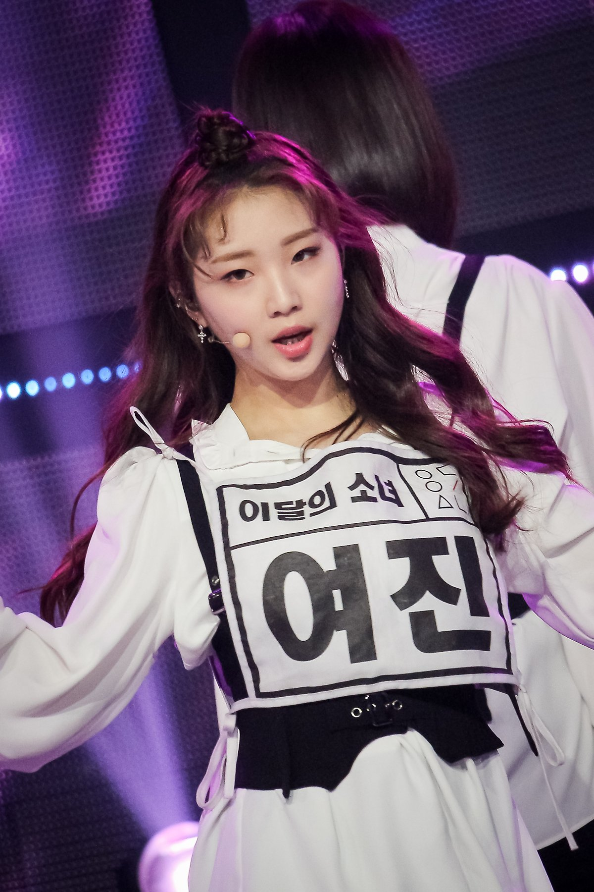 190222 Show Champion Stage Butterfly YeoJin.jpg