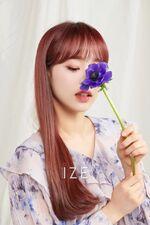 Chuu IZE Magazine 5