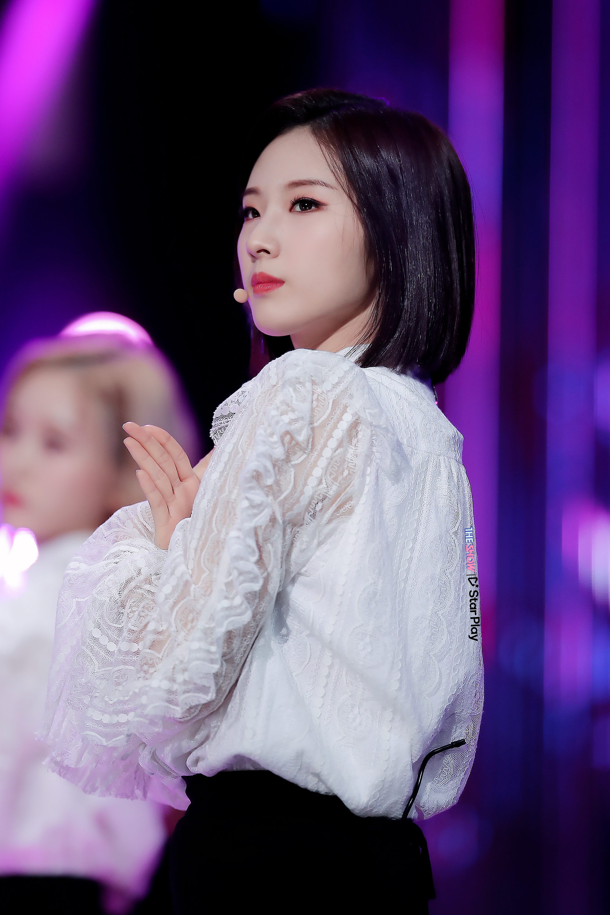 190305 THE SHOW Stage Butterfly HaSeul.jpg