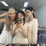 210914 SNS Kim Lip, JinSoul, Go Won 1