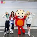 201218 SNS Kim Lip, Choerry, Go Won 1