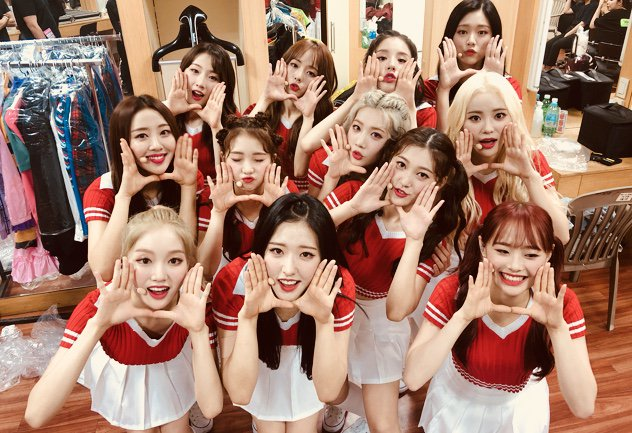 180819 SNS LOONA.png