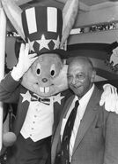Mel-Blanc-the-voice-behind-Bugs-Bunny-and-other-Looney-Tunes-cartoon-characters 1