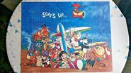 Looney Tunes Totally Beach 1000 Piece Jigsaw by Warner Bros 1995