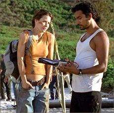 1x04-g7-6-Sayid-Kate.jpg