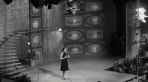Gigliola_Cinquetti_-_Non_Ho_L'Età_-_Eurovision_Song_Contest_Winner_1964_(original_performance)