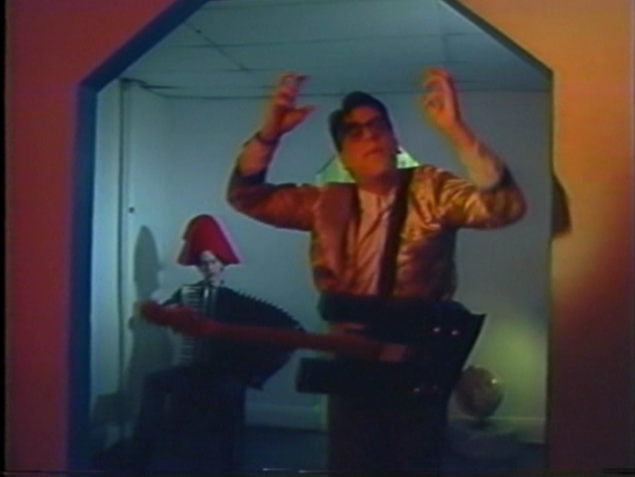 """They Might Be Giants """"Rabid Child"""" (1985 Unreleased Music Video)"""