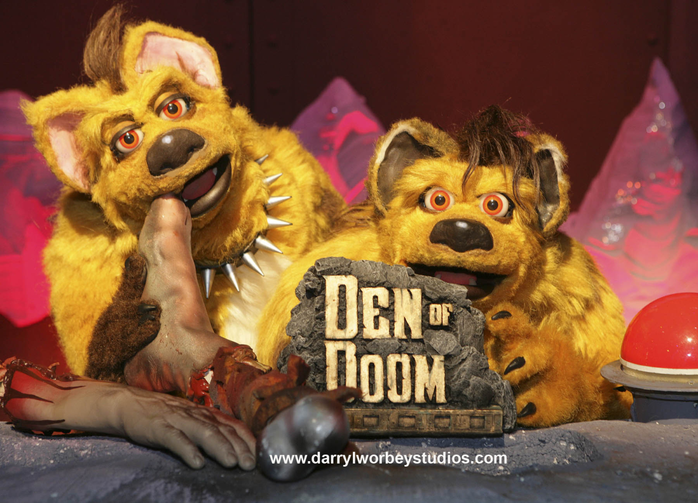 Scratch 'n' Sniff's Den of Doom (2007)