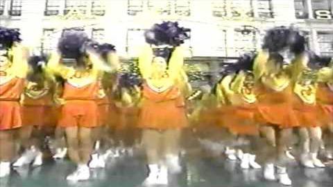 Brenda_Carling_UDA_Macy's_Thanksgiving_Day_Parade_1998