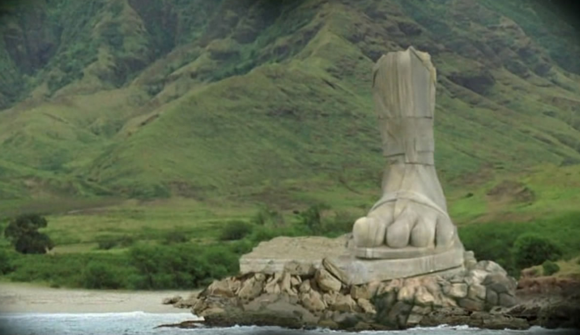 The Four-Toed Statue
