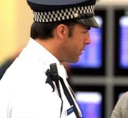 Flughafen-Cop