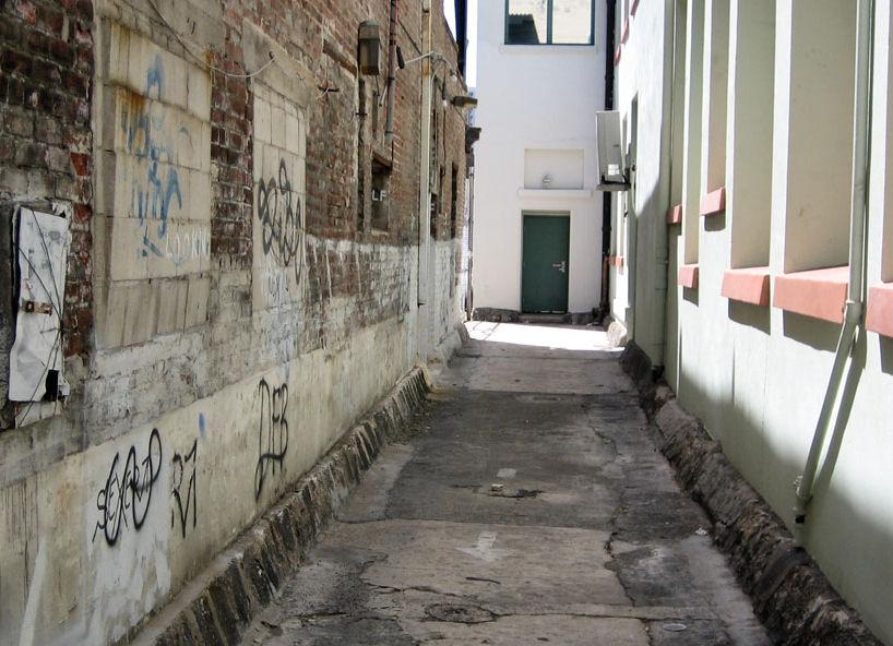 Nu'uanu Avenue