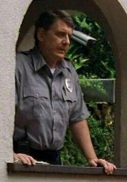 Eddie (guardia de seguridad)