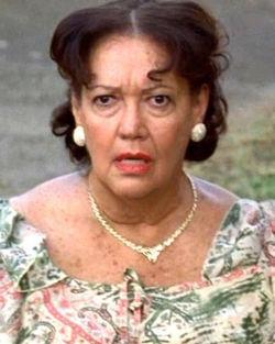 Lillian Hurst als Carmen Reyes