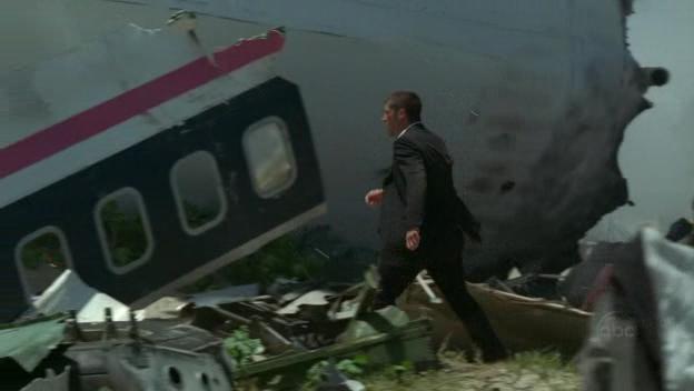1x01-JackWreckage.jpg