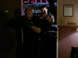 6х08 Офицер полиции.jpg