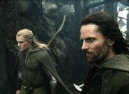 Арагорн и Леголас около пристанища мёртвых