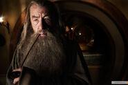 Гэндальф ждёт Фродо в Бэг Энде, чтобы рассказать о Кольце