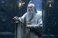 Саруман предлагает Гэндальфу перейти на сторону зла