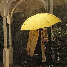 HIMYM-Yellow-umbrella.jpg