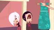 Biskit Twins screaming at used dress