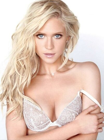 Britney Hemsworth5.jpg