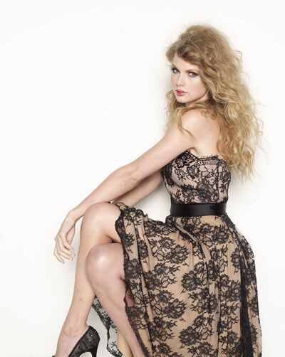 Taylor Swift Glamour3.jpg