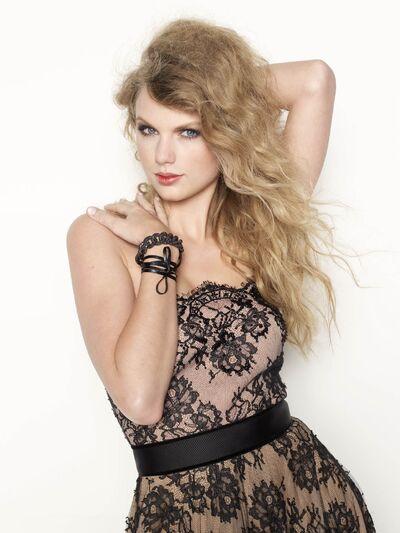 Taylor Swift Glamour4.jpg