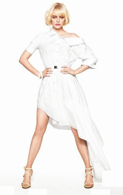 Demi Snow9.jpg