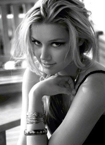 Amber Heard Black and White.jpg