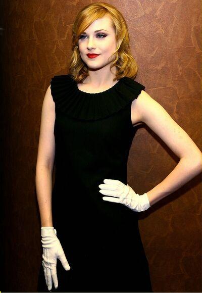 Rachel Wood Glove4.jpg