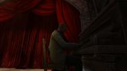 Играет на пианино