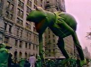 KermitBalloon AllAmericanParade1985