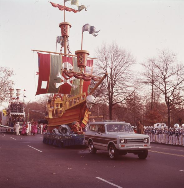 Jolly Polly Pirate Ship