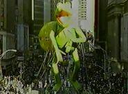KermitBalloon Macy's1986