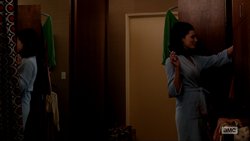 6x06 Megans Outfits (03).png